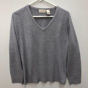 ✅ Studio Works V-neck rhinestone sweater Size L